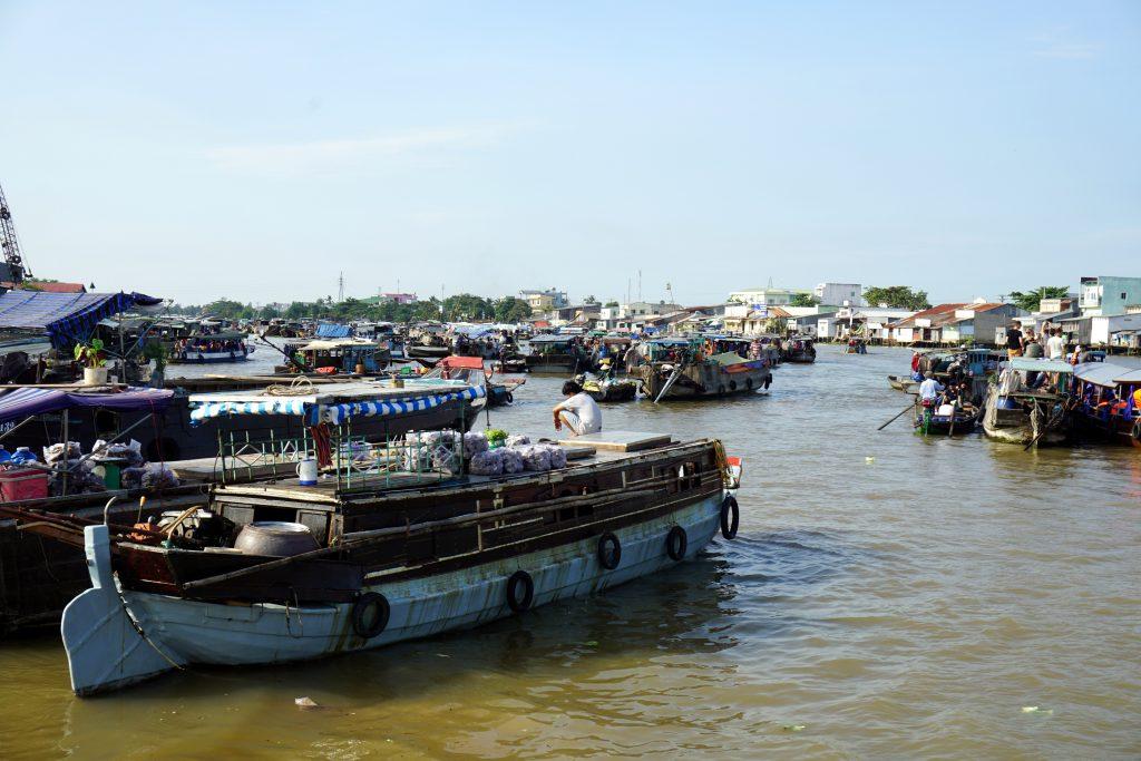 Foto dei mercati galleggianti del Delta del Mekong, Vietnam.