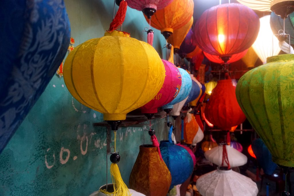 Foto delle lanterne illuminate di Hoi An, Vietnam.