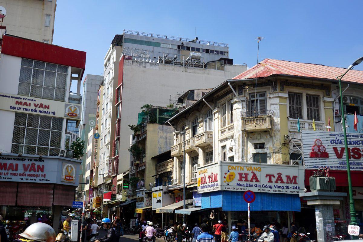 Foto di una strada a Ho Chi Minh City, Vietnam.