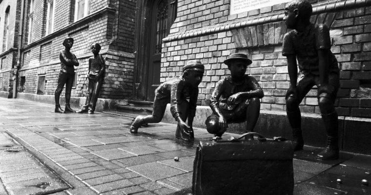 Il monumento ai ragazzi della via Pál (+ breve recensione del libro)