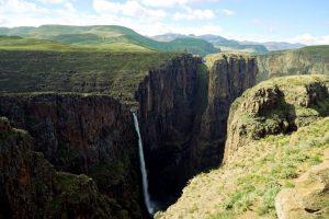 Foto delle Maletsunyane Falls, famose cascate in Lesotho.