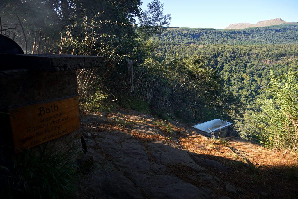 Foto della vasca da bagno all'aperto a Hogsback, Sudafrica.