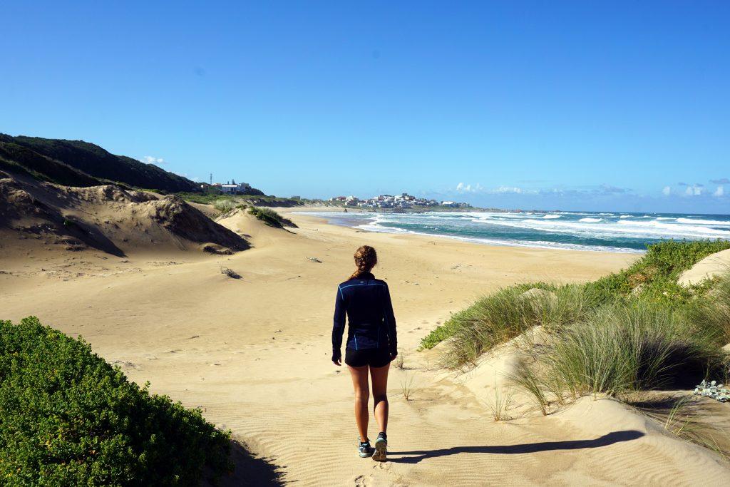 Foto della spiaggia di Buffelsbaai, Sudafrica.