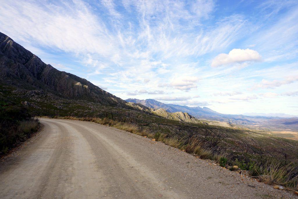 Foto di un paesaggio dello Swartberg Pass, Little Karoo, Sudafrica.