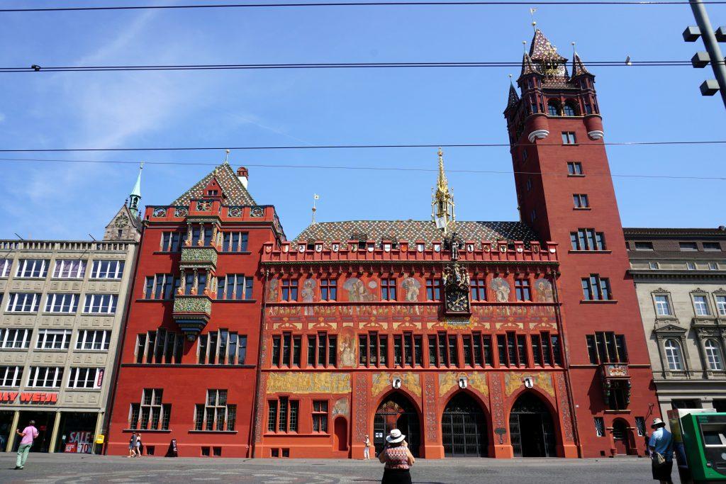 Foto del municipio rosso di Basilea.