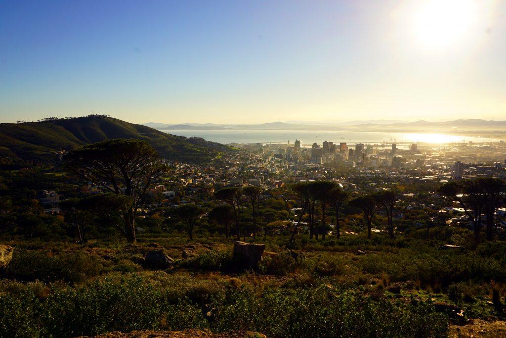 Fotografia di Città del Capo al tramonto.