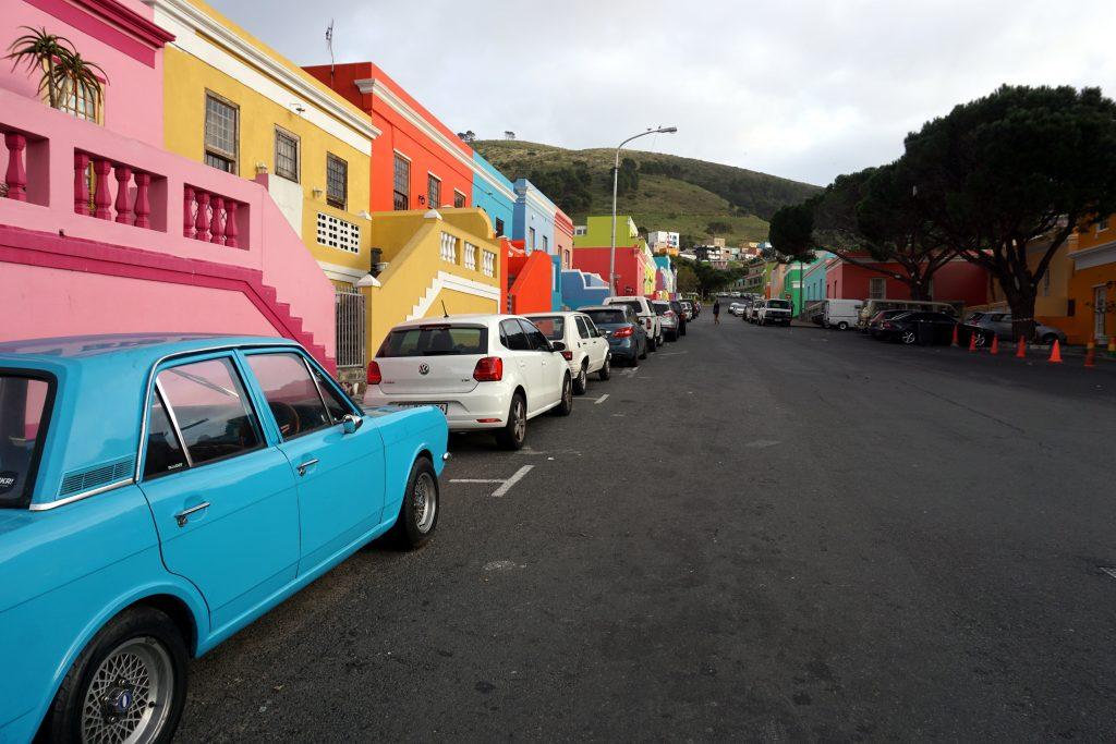 Foto del coloratissimo quartiere multiculturale di Bo-Kaap a Città del Capo.