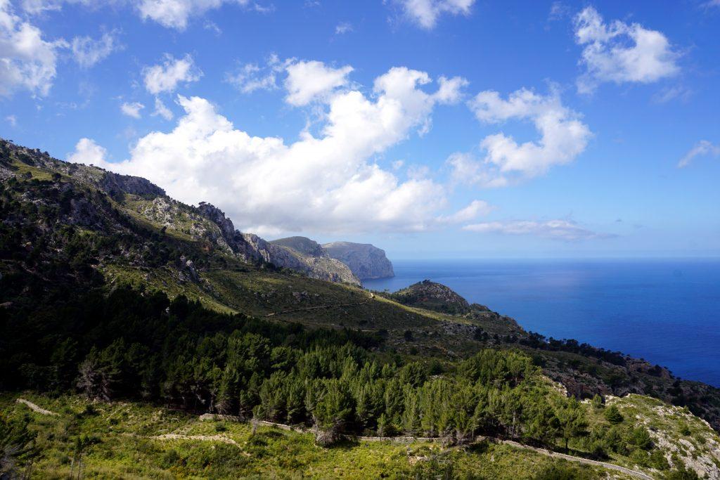 Foto del paesaggio costiero della Sierra de Tramontana, Maiorca.