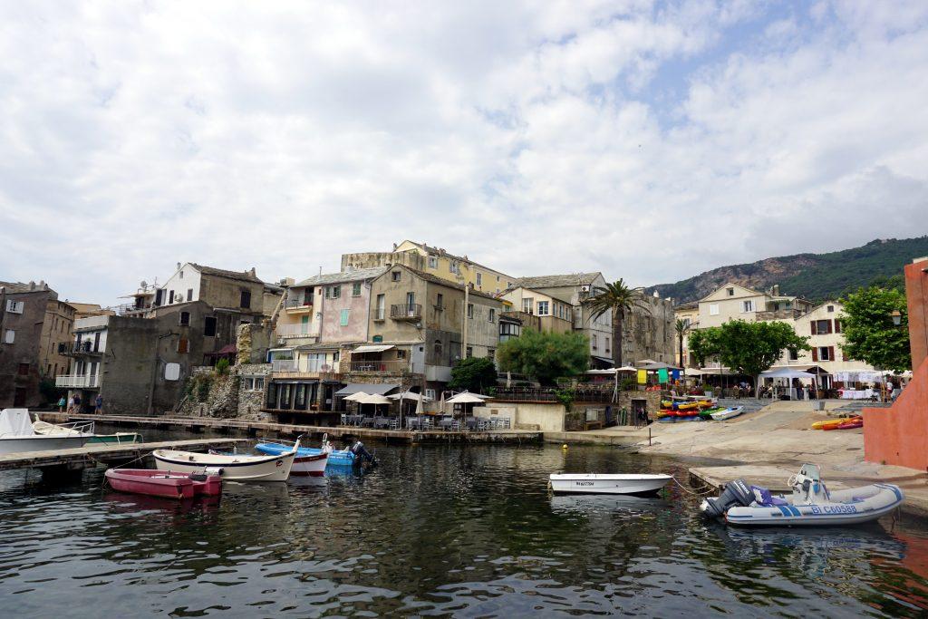 Foto del paesino di Erbalunga, Cape Corse, Corsica.