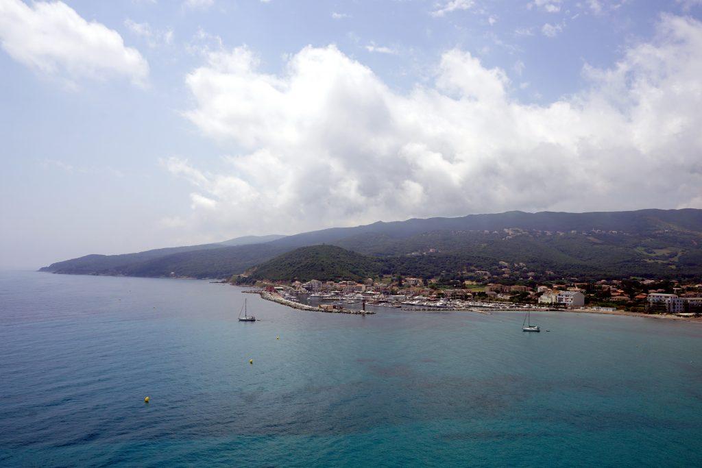 Foto di Macinaggio visto dalla Punta di à Coscia.