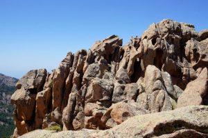Foto delle particolari formazioni rocciose dei Calanchi di Piana.