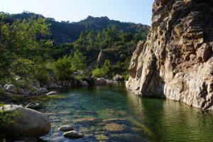 Foto del fiume Solenzara, Corsica.