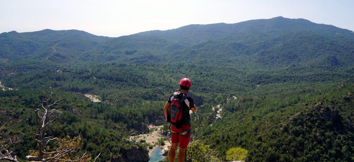 Foto panoramica dal percorso della Via Ferrata a Solenzara, Corsica.